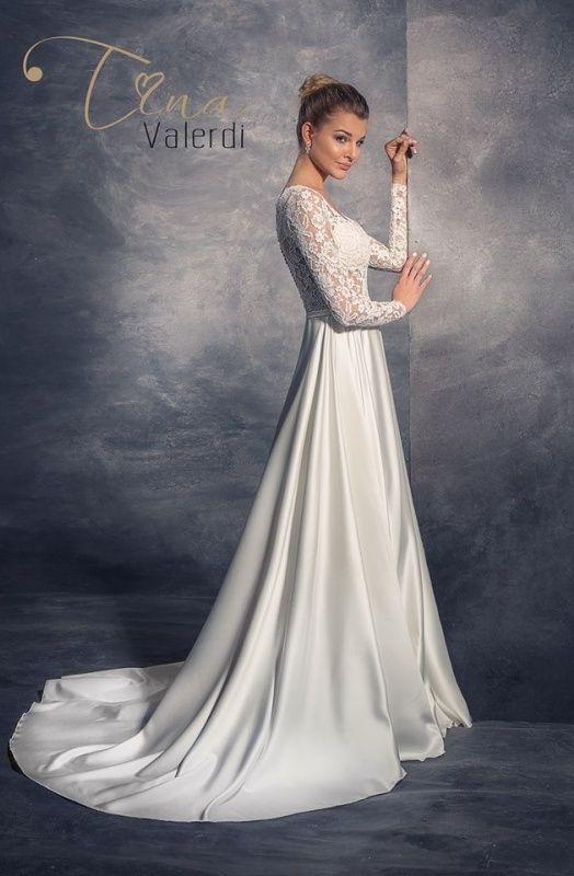 Svadobné šaty Ačkového strihu - A-LÍNIA