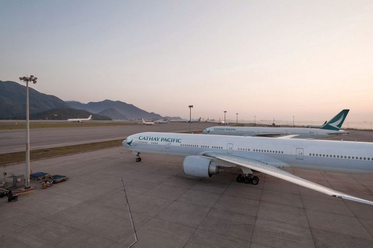 Qatar Air Spends $662 Million on Stake in Cathay Pacific