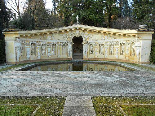 Esedra - Villa Barbaro - Andrea Palladio - affreschi Paolo Veronese - Maser    #TuscanyAgriturismoGiratola