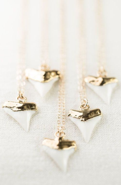 Mano-niho-kahi necklace - gold shark tooth necklace