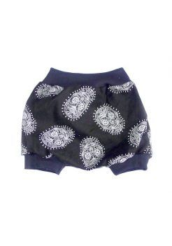 baby-harem-shorts-b&w-skulls