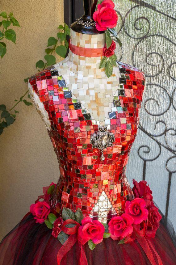 Vrouwen kleding vormen Mannequin mozaïek kunst door Mosaicsbycarrie