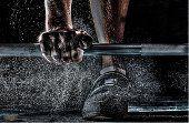 Chcete chodiť do fitness centra, ale neviete, ako začať, aké cviky sú pre vás vhodné a ako ich vykonávať? Prečo je dôležité mať trénera a ako si ho vybrať?
