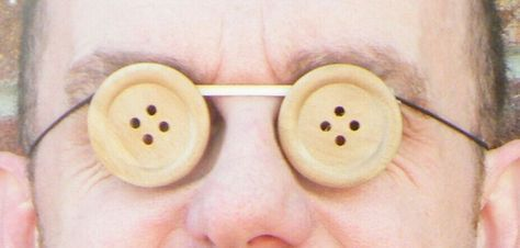 perfect way to do button eyes if i go as Coraline's other mother or button eye coraline. :)