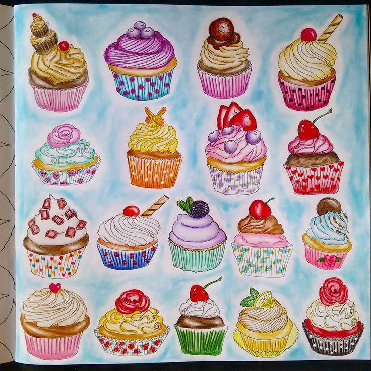 """""""Cupcakes! Livro Segredos de Nova York. Usei lápis de cor Marco Raffiné e  makeup para o fundo. @zoedelascases #segredosdenovayork"""