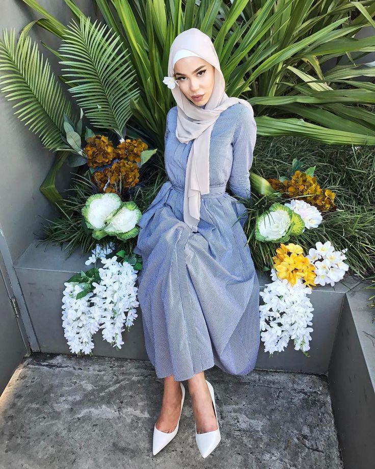 Hijab Fashion | Nuriyah O. Martinez | 112 vind-ik-leuks, 3 reacties - Hijab House (@hijab_house) op Instagram: 'Part II of our Botanica Series featuring Jae and the Black Gingham Maxi.'