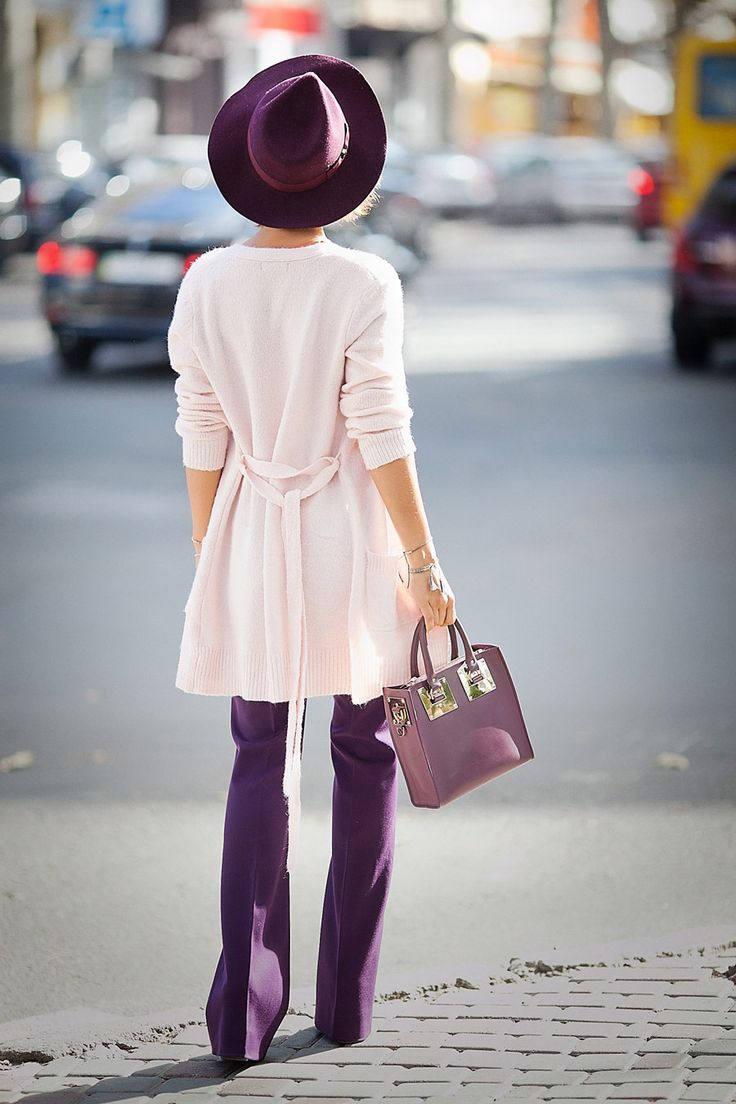 pink cardigan, purple trousers, cute street style ideas for fall,