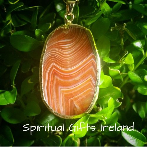 Visit our store at www.spiritualgiftsireland.com  Follow Spiritual Gifts Ireland on www.facebook.com/spiritualgiftsireland www.instagram.com/spiritualgiftsireland www.etsy.com/shop/spiritualgiftireland We are also featured on Tumblr  Inanna is the Goddess of the morning and evening star. 🌟 A figure of beauty, soft, soothing and feminine in nature.  Our Inanna Agate pendants are so called because they represent all of her innate qualities.  Agate is a stone of strength, harmony, creativity…