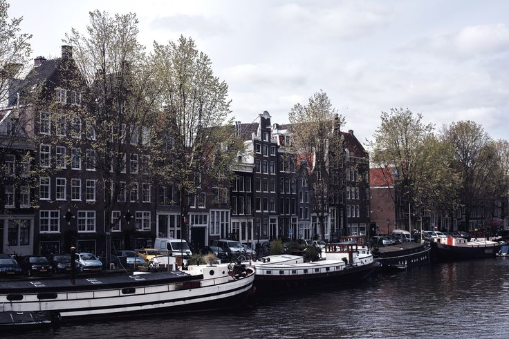 Amsterdam #4 | Pretty Houses and Boats | Moonlight Bohemian