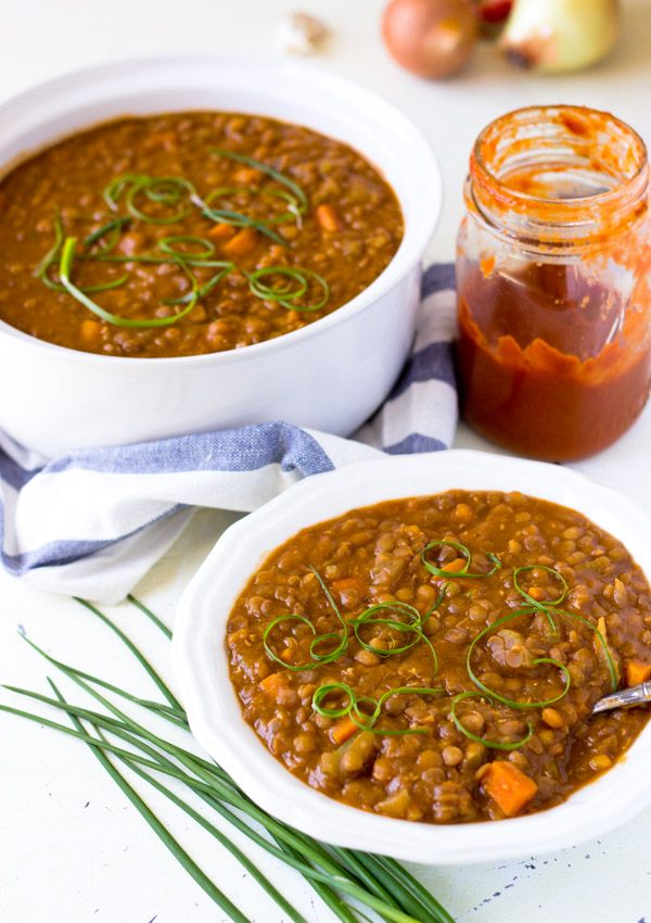 This is a pressure cooker recipe for vegan barbecue lentil stew. The strong sweet and tangy barbecue flavor and the mild earthy flavor from lentils are perfectly preserved under the high pressure. (Easy to leave out saute oil!)