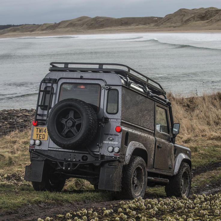 Land Rover Defender 90 Td4 Sw Se TWISTED-Time for a dip!