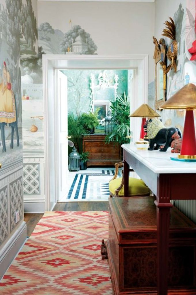 Inside the Bold and Beautiful Chinoiserie-filled London Apartment of Hannah Cecil Gurney.