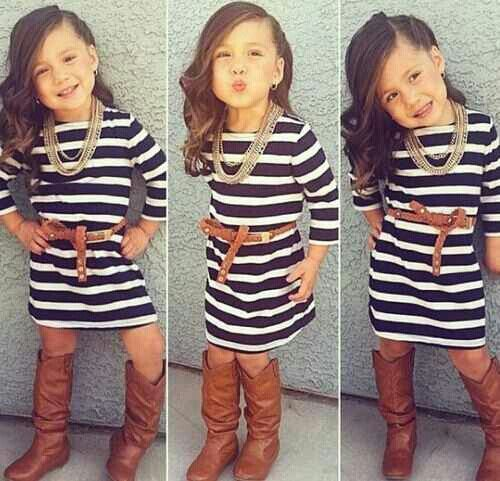 Ahh adorable little girl outfit. What a little model! <3