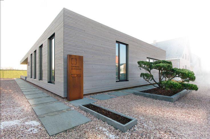 Unser neues b ro ein doppelhaus zum leben und arbeiten for Doppelhaus garten gestalten