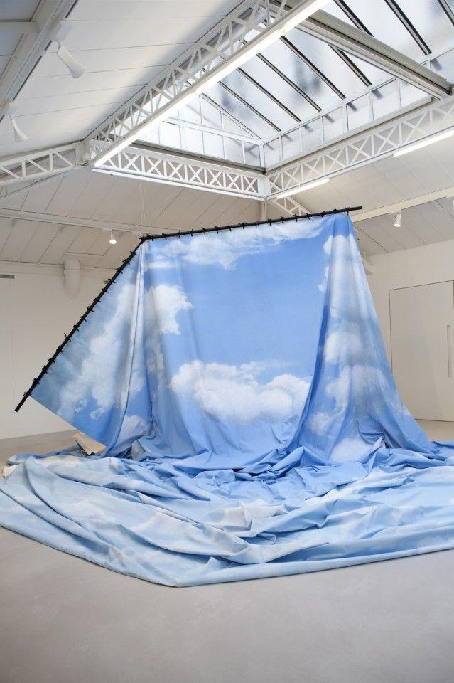 La dépossession - Latifa Echakhch - Artistes - galerie kamel mennour, 75006 Paris