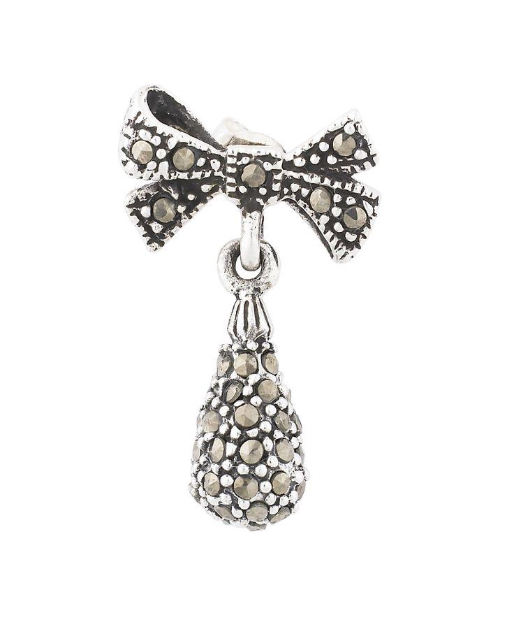 Beautiful bow earring by Lisbeth Dahl Copenhagen Spring/Summer 13. #LisbethDahlCph #Jewellery #Beautiful