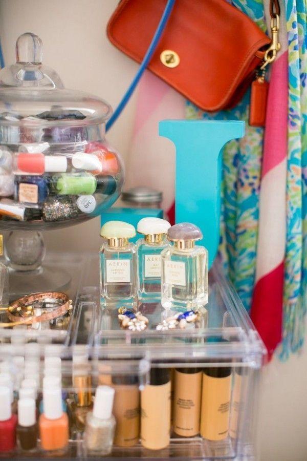 Trends Diy Decor Ideas : Une bonbonnière pour le rangement du maquillage, une belle idée déco !  www.h...  https://diypick.com/decoration/trends-diy-decor-ideas-une-bonbonniere-pour-le-rangement-du-maquillage-une-belle-idee-deco-www-h/