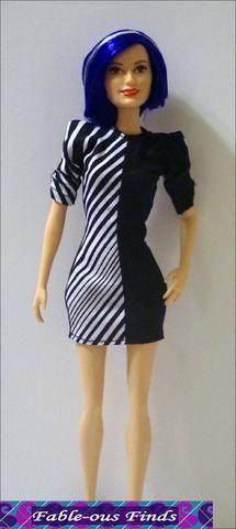 Fable-ous Localiza 80 Chic Vestido direito e tons da roupa da boneca padrão de bonecas de moda 11-1 / 2 polegadas | Pixie Faire