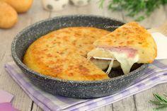 Torta di patate in padella senza uova velocissima
