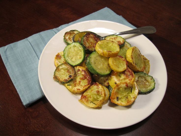 I have been in a side dish rut lately. I feel like I always make the same side dishes and I have been wanting to try some different veggie side dishes aside from my typical steamed broccoli, asparagus, and salads. I saw a big display of zucchini and squash last weekend at my grocery store …