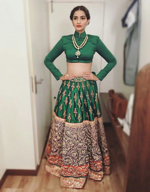 Sonam Kapoor in Anamika Khanna for her movie Prem Ratan Dhan Paayo Promotions