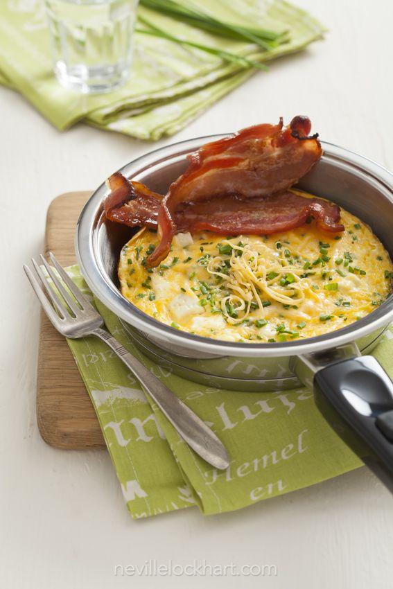 Delicious cheese omelette in an AMC 16 cm Taster Pan Photo taken for LiG Tydskrif