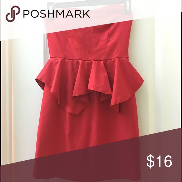 Strapless red dress ❤️ Never worn. Only tried on once and was too small. It was ordered online from a boutique. Super cute for a date night or just a fun night out!! Dresses Mini