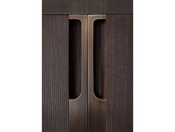 HOLLY HUNT... this is the difference. Bronze cabinet grips... stunning detail.