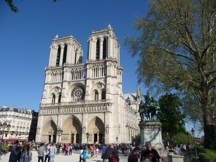 Façade de Notre Dame de Paris, samedi 9 avril 2011, 16h10.