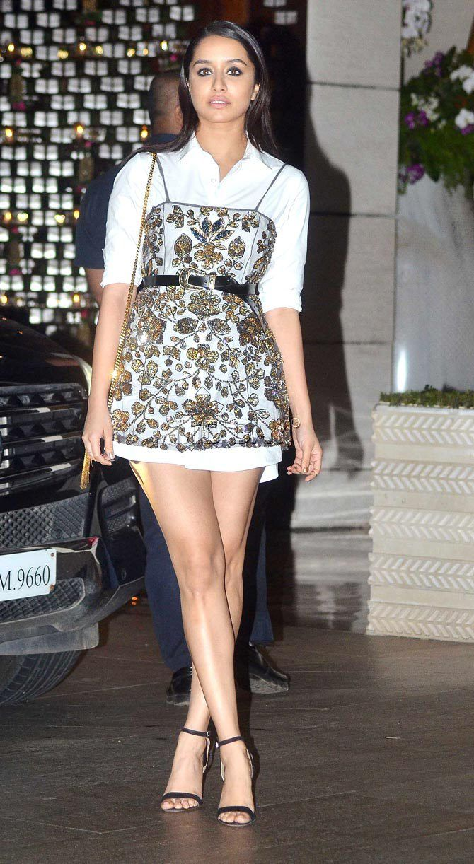 Photos: Malaika Arora, Kareena Kapoor Khan at Isha Ambani's bash - Entertainment