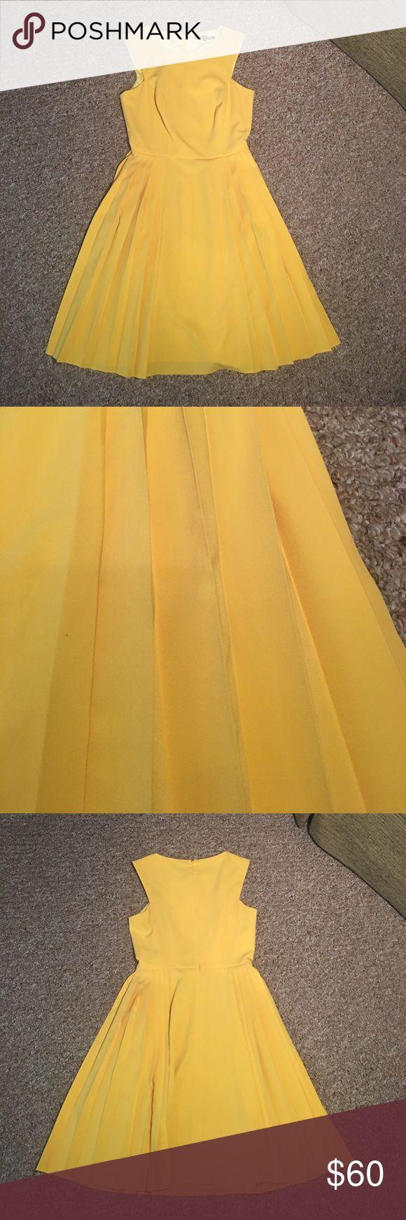Gianni Bini pleated yellow dress Never worn Gianni Bini pleated yellow dress. Gianni Bini Dresses