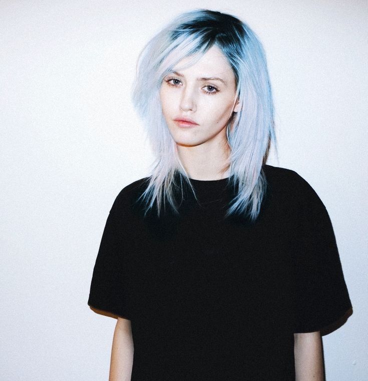 My hair will look like top of this very soon, only all dark, and in a short, shaggy bob. I've been dying to do this for years.
