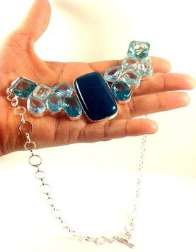collar azul-joyeria en cristales de cuarzos-joyas en cuarzos-pulsera en cuarzo-brazalete en cristal de cuarzo -Collar en Botswana Agata y Topacio Azul