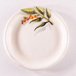 南天の陶器プレート-下絵付け&レリーフ 食器 KAISHIKI / KOZONO ハンドメイド通販・販売のCreema