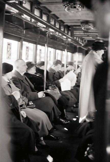 Vintage BERLIN im M rz in der U Bahn Da gab us noch keine Handys