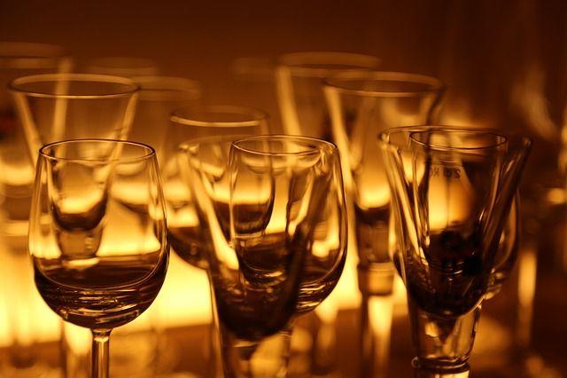 Κολλημένα ποτήρια