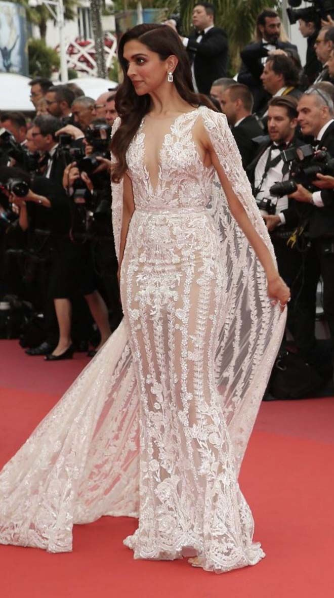 Bollywood Beauty Deepika Padukone Went And Conquered The Redcarpet In A Zuhair Murad Dress Embellished Dress Dresses Indian Sari Dress