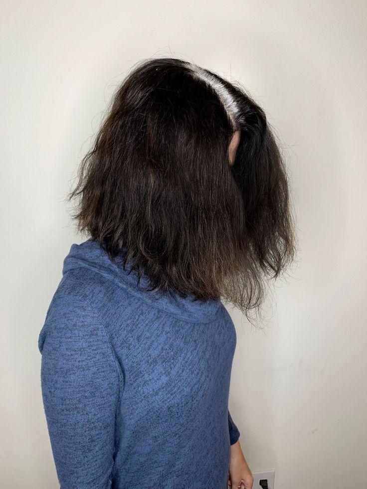 Sehen Sie diese Transformation von brauner Haarfarbe zu Silberfuchs Allure