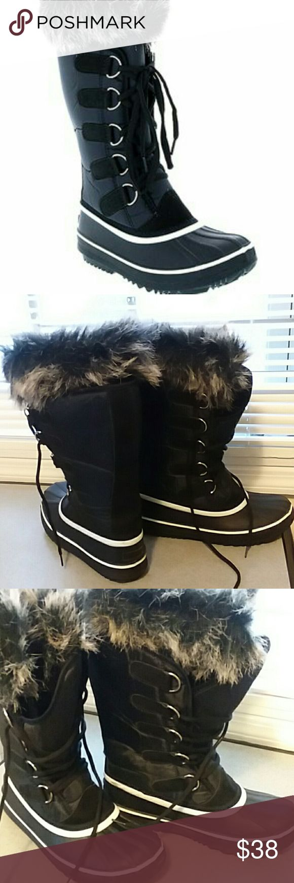 "BLACK FAUX FUR-LINED SCARLETT DUCK WINTER BOOTS BLACK FUR-LINED SCARLETT DUCK WINTER/RAIN BOOTS  👢11"" shaft 👢18"" circumference  👢Lace up boots 👢Man made 👢Imported 👢Removable inner piece  👢worn less than a doz times this winter Via Pinky Collection Shoes Winter & Rain Boots"