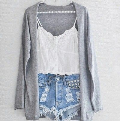 Fashion**sweater and high waisted jeans is amazing