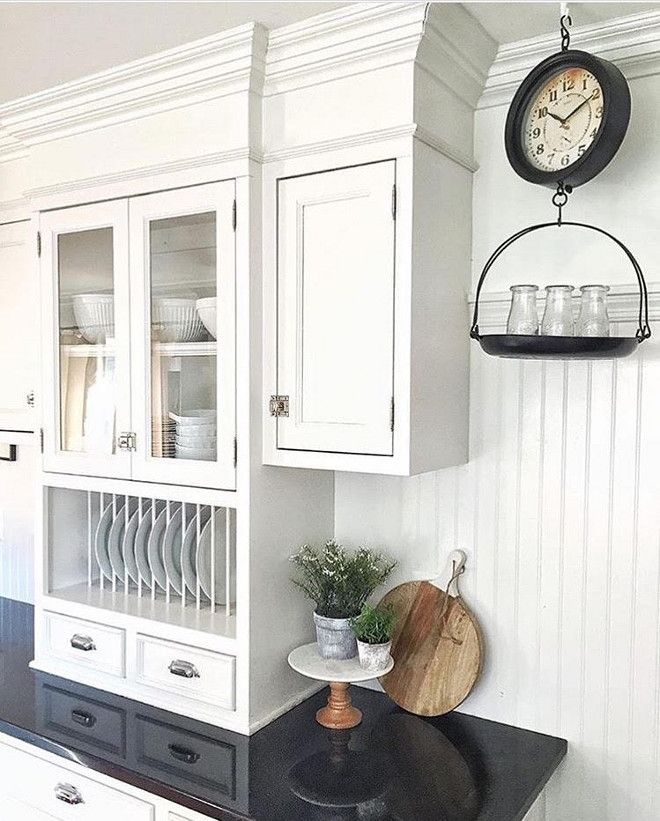 Best 25 white farmhouse kitchens ideas on pinterest for Behr white paint for kitchen cabinets