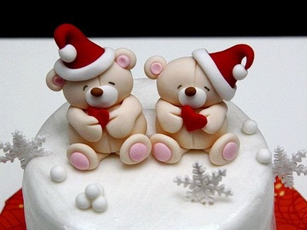"""Any time is a good time for cake — especially Christmastime. Use these ideas to help you """"pull out all the stops"""" and wow your guests this year!   <a class=""""g1-link g1-link-more"""" href=""""http://www.stylisheve.com/toppers-galore-decorating-christmas-cake/"""">More</a>"""
