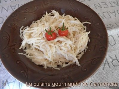 Céleri en rémoulade  http://www.carmen-cuisine.com/article-celeri-rave-remoulade-62117582.html