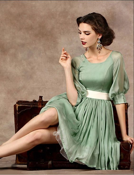 1950s Fashion Vintage Inspired Retro Style Elegant Swing Dress