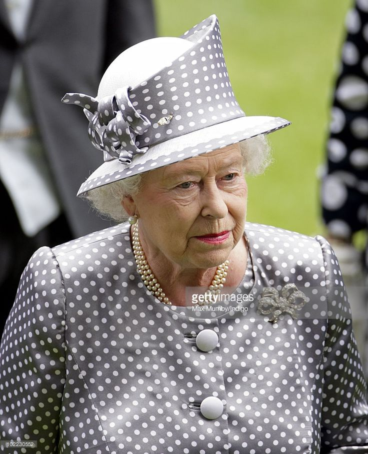 Queen Elizabeth II attends day 5 of Royal Ascot at Ascot Racecourse on June 19, 2010 in Ascot, England.
