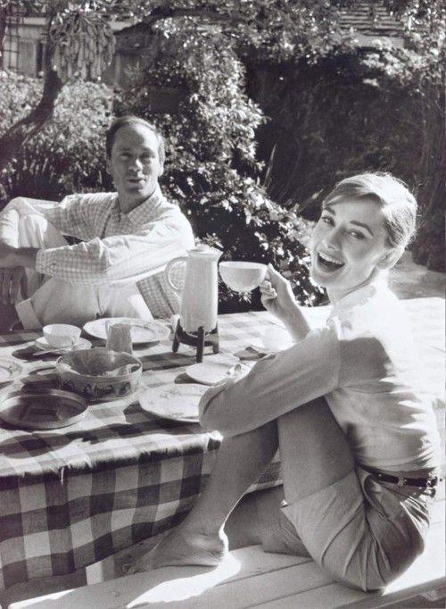audrey: Teas Time, Cups, Audrey Hepburn, Picnics, Style Icons, Afternoon Teas, Audreyhepburn, Mel Ferrer, Amser Memorial
