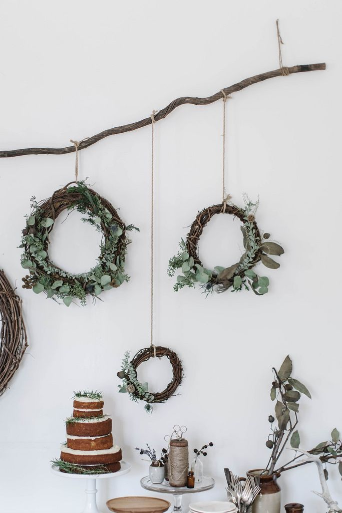 merry & bright | gingerbread sorghum cake + diy wreaths & muslin wrapping (via Bloglovin.com ):