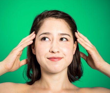 老け顔の原因にも!「頭皮のコリ」を解消して顔のたるみを改善! | 美BEAUTE(ビボーテ)
