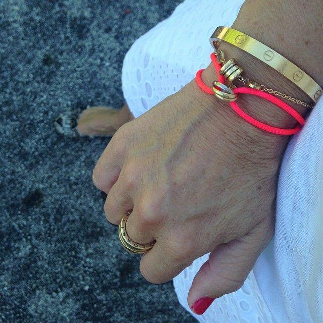 New color on my Trinity bracelet. #cartier #trinity #neon