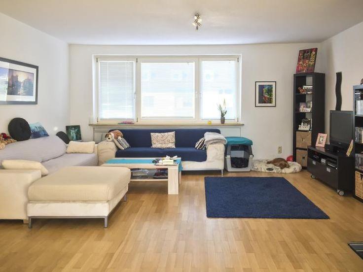 Grosses Helles Wohnzimmer In 3 ZKB Wohnung WG Und Paar Geeignet Gute Lage